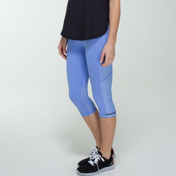 a557dd41b453cd lululemon athletica Pants - Lululemon Athletica Cut The Crop Leggings 6